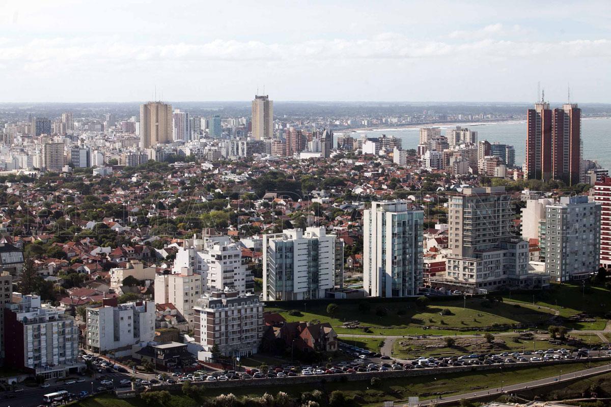 """Advierten """"una extensión urbana indiscriminada"""" en Mar del"""