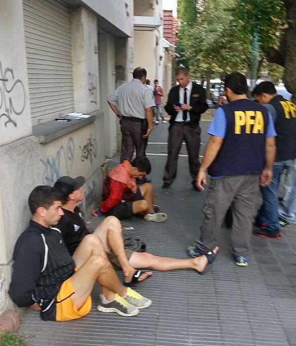 detenidos-cocaina-policial-1