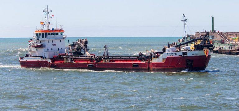 Comienzan los primeros trabajos de la draga en el puerto el marplatense - Trabajo en el puerto ...