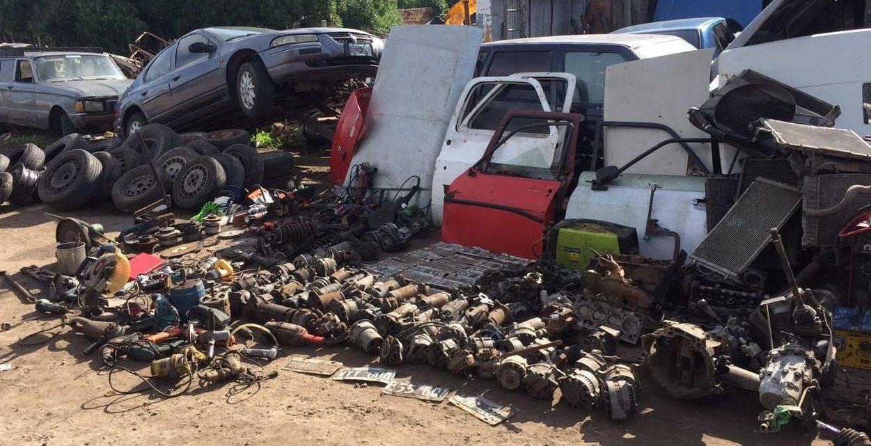 Había 30 vehículos y casi 500 autopartes — Clausuran desarmadero