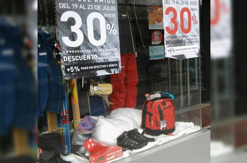 b6b0f7f99e0b A contramano de la baja en comercios, crecen las ventas por internet ...